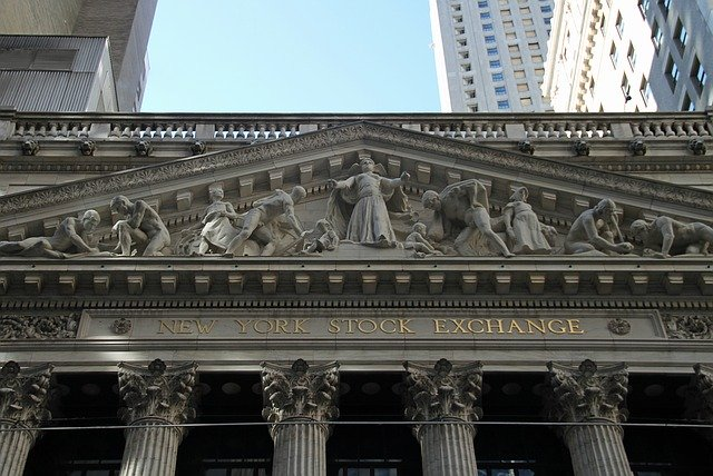 stock-exchange-1376104_640